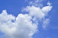 Moln för härlig sikt av himmel Arkivbilder