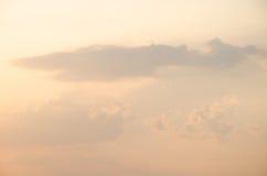Moln från haj med himmel Arkivfoto