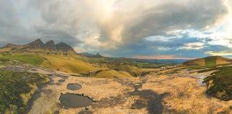 Moln i bergen Royaltyfria Bilder