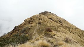 Moln i det Himalays berget lager videofilmer