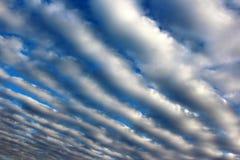 Moln i himlen i remsor Royaltyfria Foton