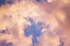 Moln i Sky Royaltyfria Bilder