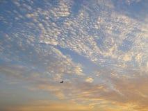 Moln i solnedgång royaltyfria bilder