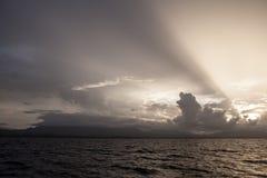 Moln, ljus och öar Royaltyfria Bilder