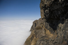 Moln med berget Arkivbilder