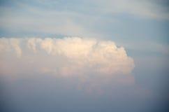 Moln med blurehimmel Fotografering för Bildbyråer