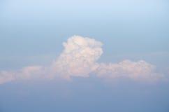 Moln med blurehimmel Arkivbild