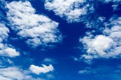 Moln med himmel Fotografering för Bildbyråer