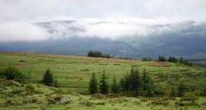 Moln och berg Royaltyfri Bild