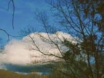 Moln och berg Royaltyfri Foto