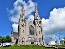 Moln och Catedral Arkivfoton