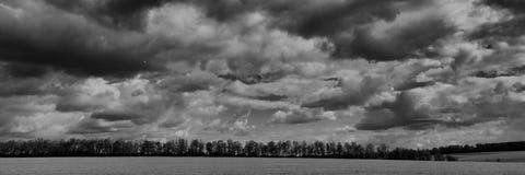 Moln och fält Baner för design royaltyfri bild