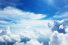 Moln och himmel arkivbilder