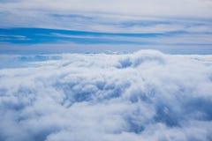 Moln- och himmelsikt Arkivbild