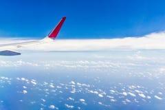 Moln- och himmelsikt från nivån Royaltyfria Bilder