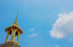 Moln och pagod Royaltyfri Fotografi