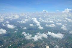 Moln ovanför landet Arkivbilder