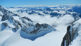 Moln på Mont Blanc Arkivbild