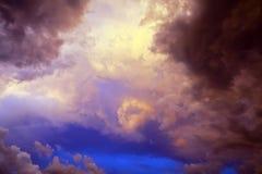 Moln på solnedgången Fotografering för Bildbyråer