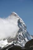 Moln på toppmötet av Matterhornen Fotografering för Bildbyråer