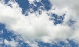 Molnbakgrund för blå himmel Royaltyfri Foto