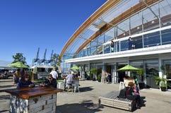 Molnhändelsecenten i Auckland strand - Nya Zeeland Arkivbild