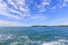 Molnig blå himmel Fotografering för Bildbyråer