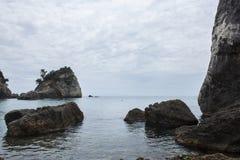 Molnig dag på den Piso Krioneri stranden Parga Grekland Royaltyfria Bilder