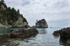 Molnig dag på den Piso Krioneri stranden Parga Grekland Royaltyfria Foton