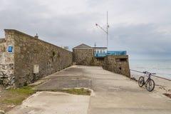 Molnig dag på Marazion, Cornwall, UK arkivbilder