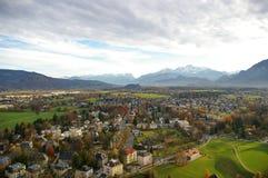 Molnig dag på Salzburg, Österrike Arkivfoto