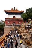 Molnig dag på sommarslotten, Peking, Kina royaltyfria foton