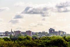 Molnig dagCityscapesikt av Northampton UK Royaltyfria Foton