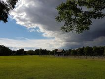molnig dagpark Royaltyfria Foton