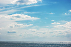 molnig havssky Arkivbilder