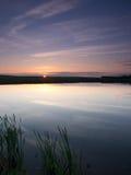 Molnig himmel i vattnet Royaltyfri Fotografi
