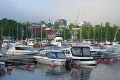 Molnig Juni morgon i hamnen av Lappeenranta Fotografering för Bildbyråer