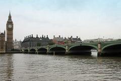 Molnig London himmel Royaltyfria Bilder