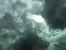 molnig mörk sky Arkivbild
