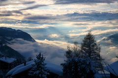 Molnig montain i Crans-Montana Royaltyfri Fotografi