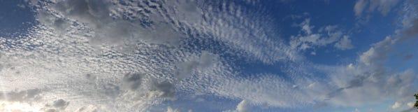 molnig panorama Royaltyfri Foto