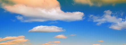molnig panoramasky Arkivfoton