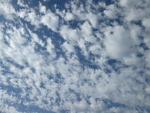 molnig sky Arkivfoto