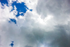 molnig sky Arkivbilder