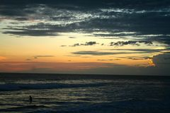 molnig solnedgång Royaltyfria Foton