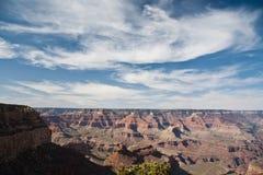 molnig tusen dollar för kanjoner över skyen Arkivfoto