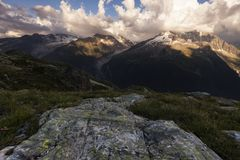 molniga alps Royaltyfri Foto