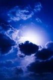 molniga skies Arkivfoton