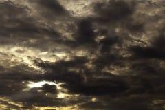 molniga skies Arkivfoto