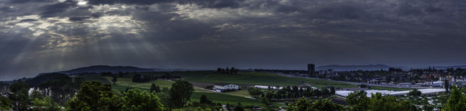 molniga skies Royaltyfria Bilder